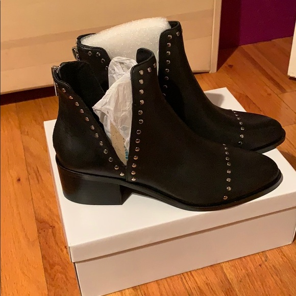 14a2d24bb0e Steve Madden conspire black leather booties
